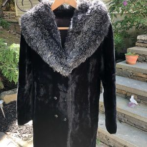 *B2G1* GORGEOUS VINTAGE FAUX FUR COAT UNION LABEL